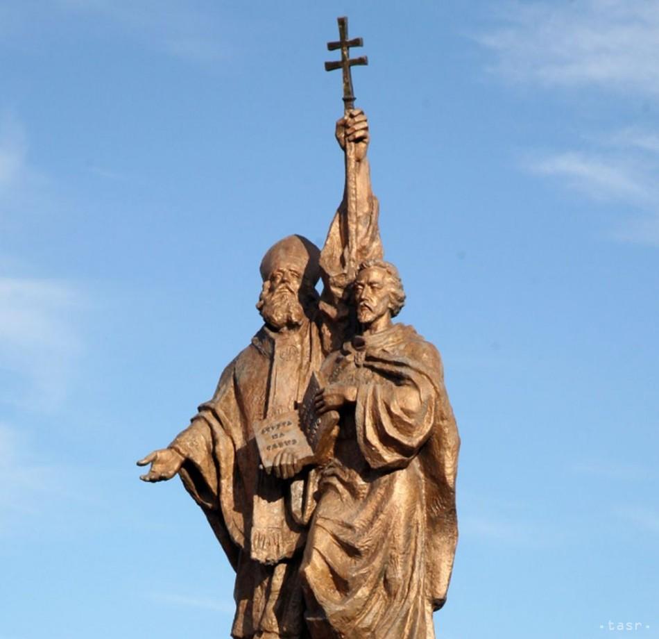 História sochy sv. Cyrila a Metoda